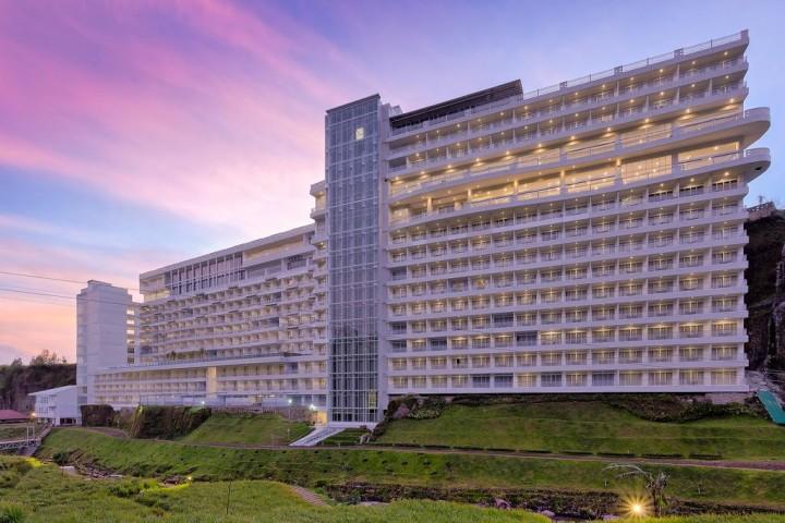 Le Eminence Puncak Hotel…