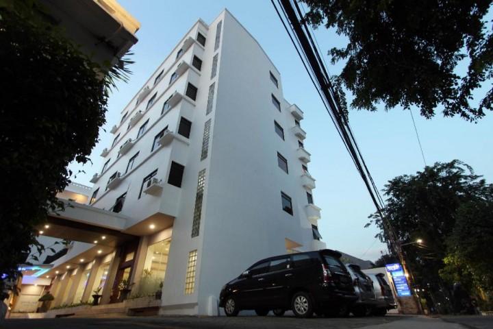 Hotel Arnava Senen Jakarta
